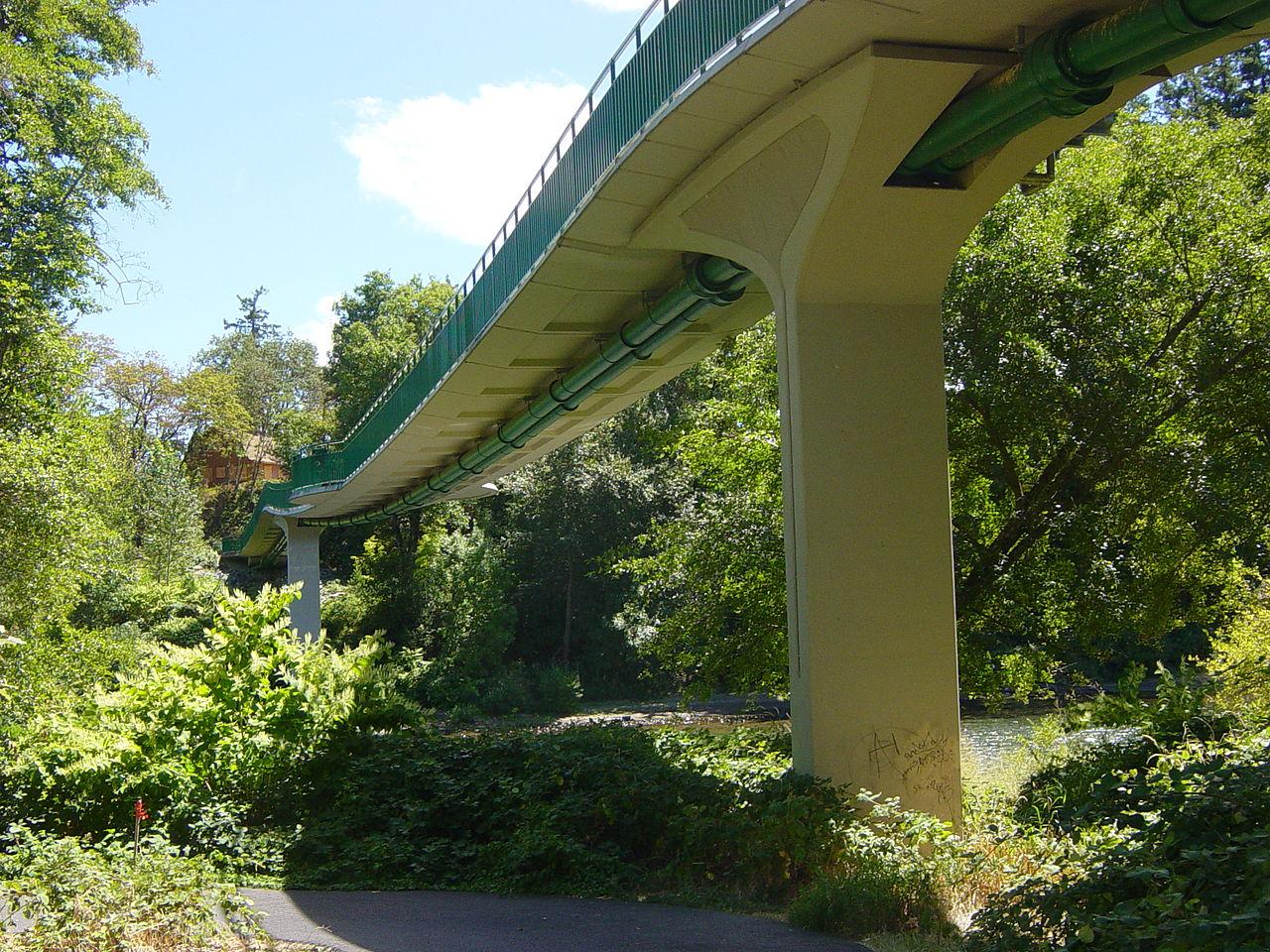 Puente peatonal pretensado, Grants Pass, Oregon, USA.